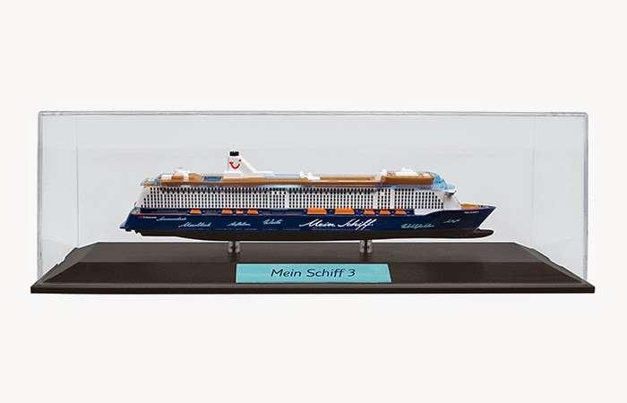 mein schiff 3 noch mehr mein schiff f r 24 95 euro plastik modell auch f r zu hause der. Black Bedroom Furniture Sets. Home Design Ideas