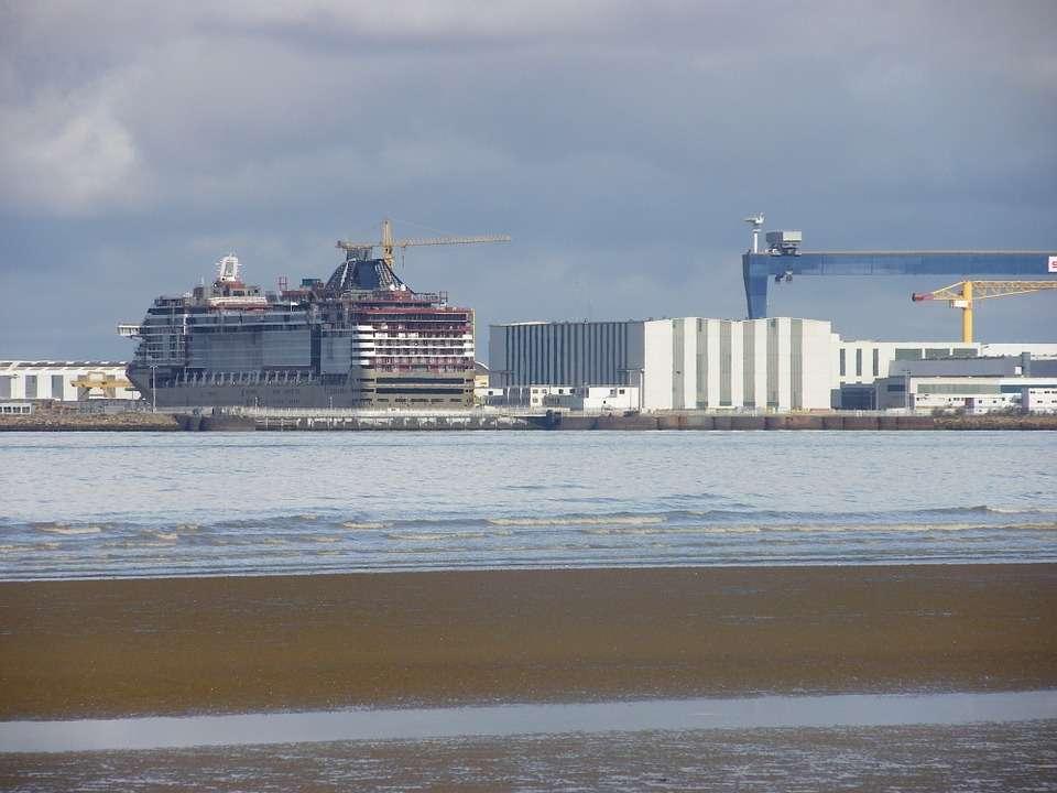shipyard-186814_960_720